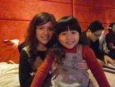 2011=100年跨年(第八月台):2011.12.31嫻嫻&惠卿姊的女兒.JPG