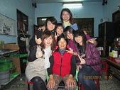 ^&^2011年---除夕圍爐^&^:11.2.02除夕-女孫&姑姑與奶奶照.JP