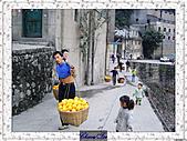 20021115水淹長江三峽最後行腳:32奉節農民.JPG