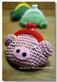 ~2013.09 手作品集。鉤針編織:毛線玩偶。小豬零錢包.jpg