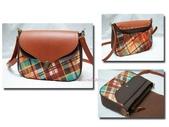 手作品。袋物:文青女孩側背包(棕格).jpg