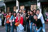 北越-下龍灣五日遊 day1:DSC_4497 與越南導遊合影.jpg