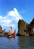 越南-明信片:On the Ha long Bay.jpg