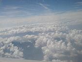 品味夏天的澎湖:DSC06137機上的天空.JPG