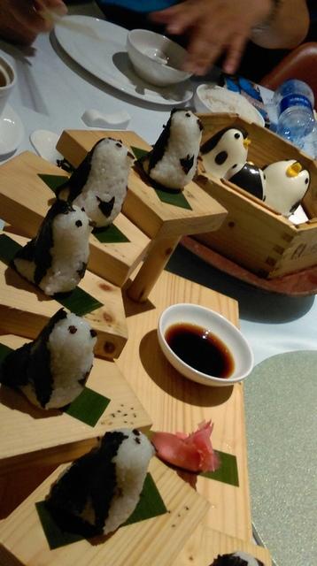 IMAG8946.jpg - 珠海長隆企鵝酒店(食街-晚餐)
