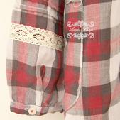 120829-1:Lb133阿米良品秋季新款柔軟舒適翻領鏤空鉤花花邊長袖格子襯衫9.jpg