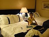 香港澳門自由行 day1 20100808:21 香港住的飯店 Holidayinn 00