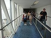 香港澳門自由行 day1 20100808:03 下飛機囉 抵達香港機