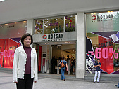 2009/6/26-29@Paris:媽咪買的Morgan白色針織外套