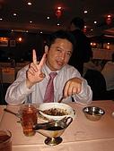 Anita@HK Part1:香港 025吃乳鴿大獎得主不但連吃五鴿頭還吃的奪乾淨啊.jpg