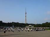 謎樣國度:北韓(朝鮮DPRK):北韓建國70周年排練民眾.JPG
