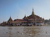 遠走高飛:Paung Daw Oo Pagoda.jpg