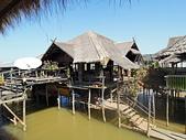 遠走高飛:湖邊餐館.jpg