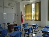 遠走高飛:教室中的兩國國旗.JPG