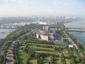 謎樣國度:北韓(朝鮮DPRK):平壤國際電影會館與羊角島足球場.jpg