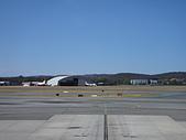 遠走高飛:坎培拉機場停機棚.JPG