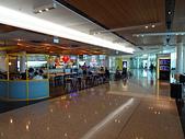 遠走高飛:坎培拉機場餐飲區.JPG