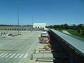 遠走高飛:坎培拉機場停車場.JPG