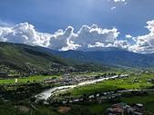 遠走高飛:不丹皇家航空降落高難度不丹帕羅機場.jpg
