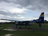 遠走高飛:高空跳傘小飛機VH-LVN.JPG