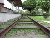 【基隆。七堵】七堵鐵道公園,百年木造驛站:鐵軌