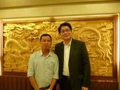 參加103-9-17至9-20在中國大陸雲南省昆明市舉辦的2014海峽兩岸生物防治學術研討會:與中國大陸生物農藥知名學者與專書編輯-中國農科院邱德文副所長合照.