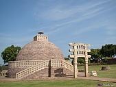 印度聖境 內在聖域 :山奇三塔--僧塔