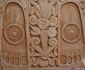 印度聖境 內在聖域 :山奇塔門的佛足印雕刻。