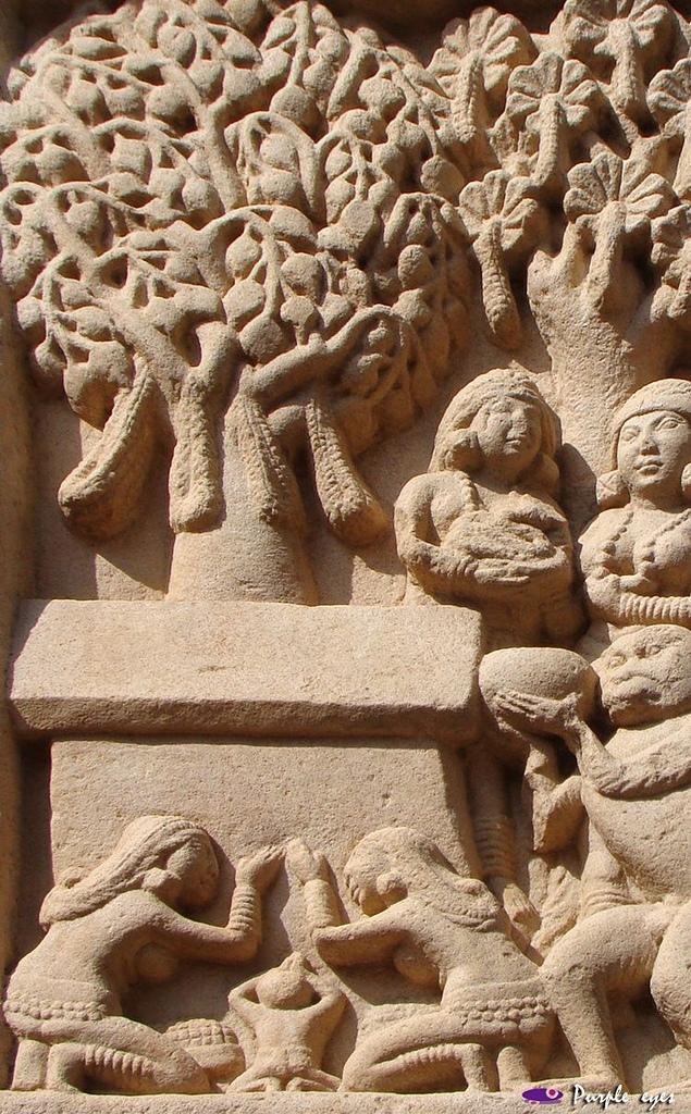 印度聖境 內在聖域 :山奇塔門浮雕