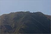 陽明山竹子湖:竹子湖入口處遙望大屯山助航站及景觀臺