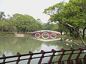 台中市---中區:湖心亭內往外望