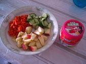 我可口的養身早餐:養身早餐:一果兩疏菜,可加憂格更可口