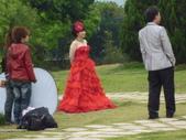 2011春假旅遊點~之4:P1010729台中霧峰私立亞洲大學校園--新人拍婚紗照.JPG