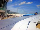 2011年暑假日本九州豪斯登堡夜景酒店五日遊~第5天:P1000402華航A330-300型班機,由日本福岡機場飛台北-上午10.25飛機開始滑行進入跑道,10.35.起飛.JPG
