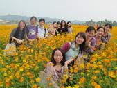 201302生活相簿:小組在花中