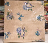 棉麻布:玫瑰花束。麻白色