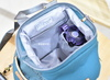 內置水壼袋,與二個拉鍊口袋~~