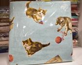 棉麻布:玩樂貓。水藍