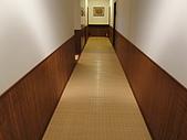 民宿系列:走道地面和牆面都是竹子