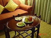 花蓮悅來:沙發以及贈送的水果
