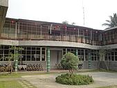 民宿系列:民宿 (左邊二樓) 以及行政辦公建築