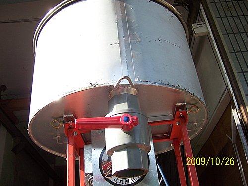 4.客製化-機台零件:特製攪拌機加4英吋閥