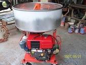 1.攪拌機:柴油引擎攪拌機