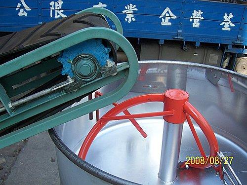 4.客製化-機台零件:輸送機