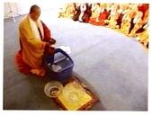《多杰羌佛第三世》 :佛降甘露是這樣得來的.jpg