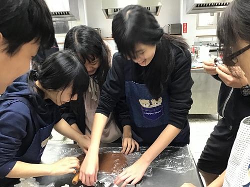 213 (2).jpg - 208~215烹飪實習照片(108年02月~6月)