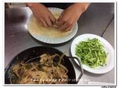 216烹飪實習照片105年9月~106年1月&316(10609-10701)陳鋒高麗亮:316 (11).jpg