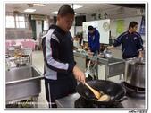 216烹飪實習(103上)&316烹飪實習(104上)小老師陳哲:316烹飪卒業考 (18).jpg