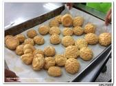 216烹飪實習( 104年9月~105年1月)&316(105年9月~106年1月)聶宗輝吳宇峰:216菠蘿泡芙 (6).jpg