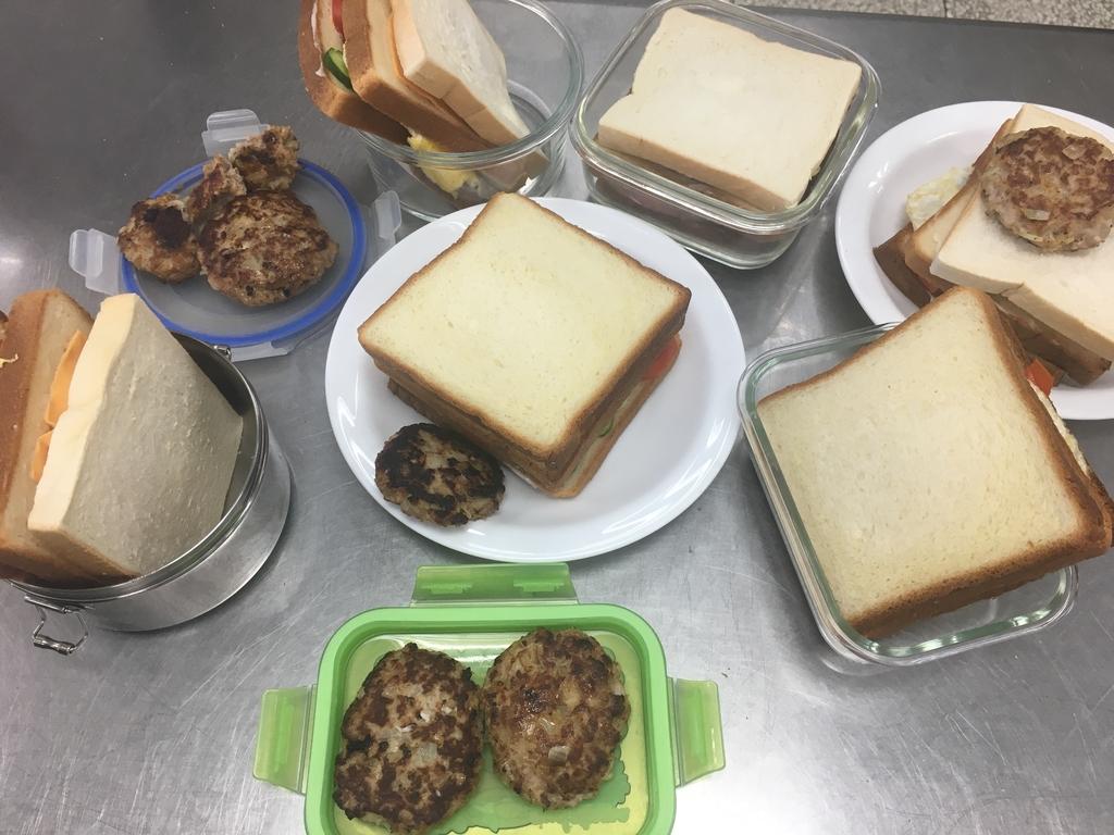 209~215烹飪實習照片(107年02月~6月):IMG_0037.JPG